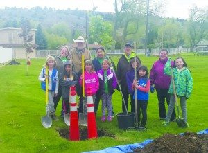 Girl Scouts Arbor Day4-1