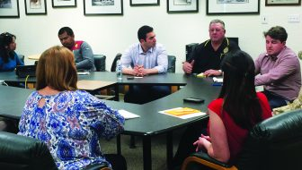 Kihuen visits with Ely vets