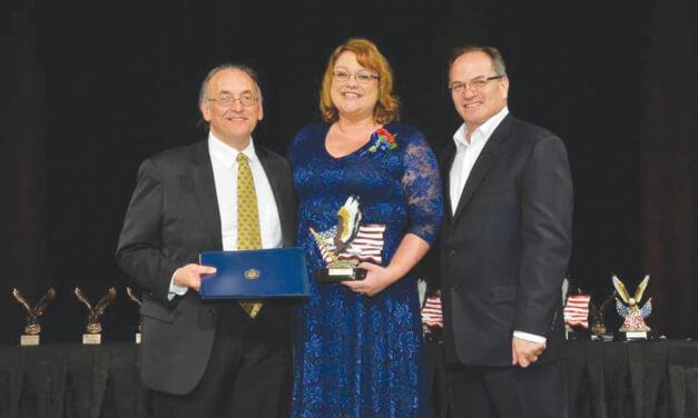 Michelle Beecher receives Small Business Association's Entrepreneurial Spirit Award