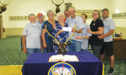 Elks donate to ICS program