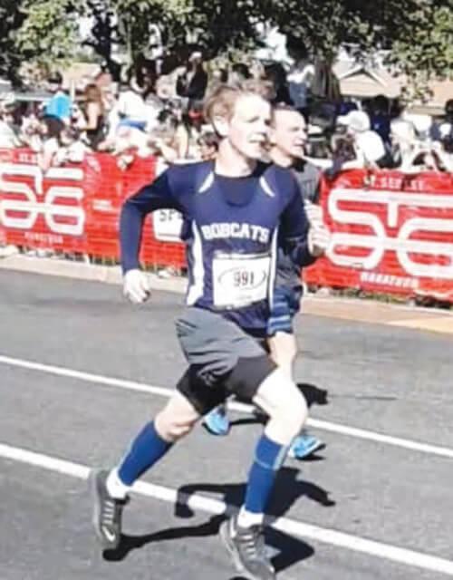 Locals  participate in marathon
