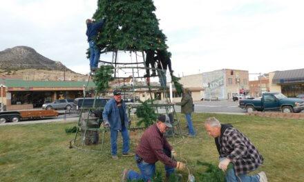 Volunteers help construct Tree