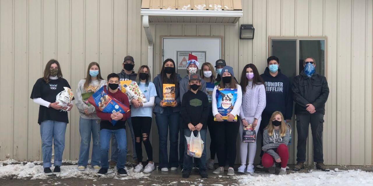 High School freshmen donate to animal shelter