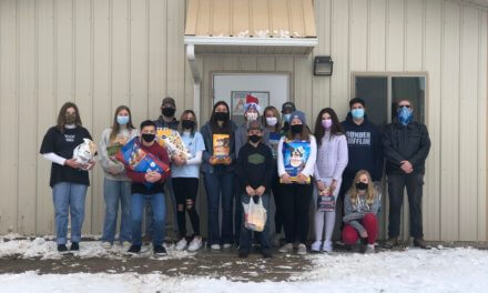 High School freshmen donate to animal shelter